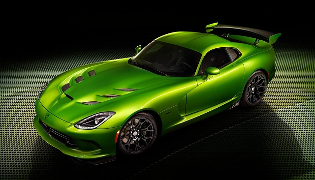 SRT-Viper-with-Stryker-Green-paint 2015 Dodge Viper To Come Out With A 5 bhp Raise In Power At 645 bhp, Says Report
