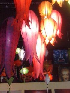 Also Om Gallery, lighting.