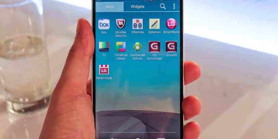 Smartfony od LG z dziurą umożliwiającą przejęcie kontroli