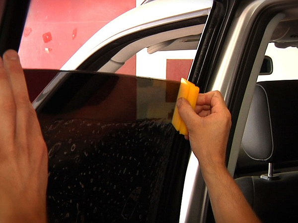Spot a Badly Installed Mobile Window Tint in Hot Springs, Arkansas