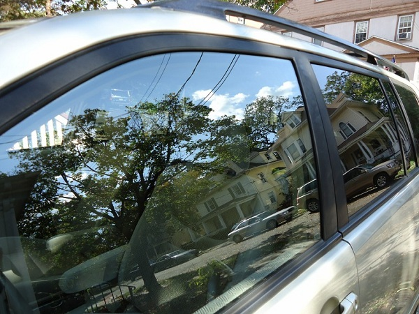 Bringing Mobile Window Tinting Close to you in Hutchinson, Kansas