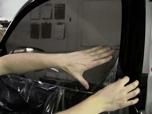 How Mobile Window Tint Is Done in Huron, South Dakota