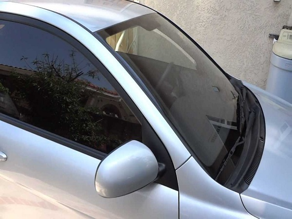 What Can Mobile Window Tint in Manchester, NH Do to Your Health?