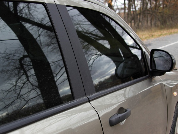 What Makes Mobile Window Tint in Medford, Oregon Different