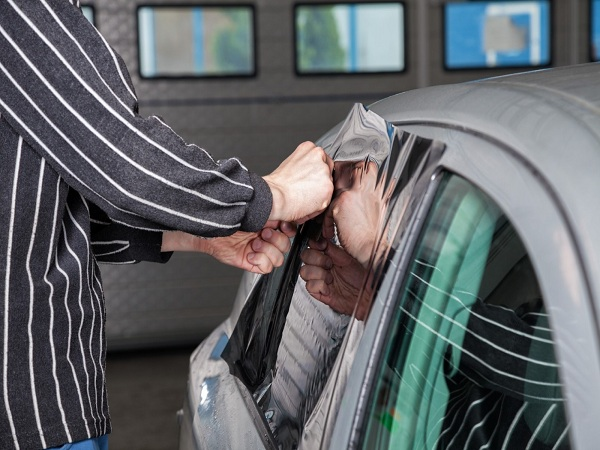 What to Expect from Mobile Window Tinting in Jefferson City, MO