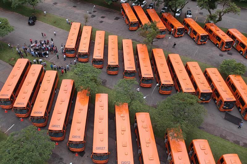 novos ônibus em curitiba