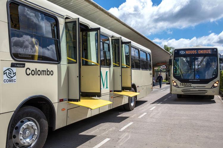 modelo ônibus multimodal