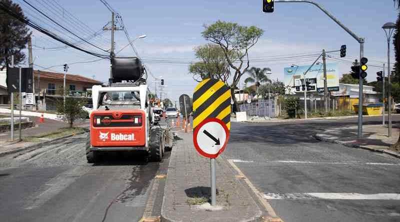 Avenida Toaldo Túlio Semáforos Santa Felicidade Regional