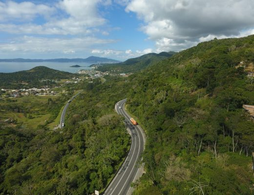Rodovia BR 101 Itapema trânsito nas estradas