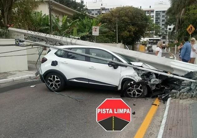 Carro Rua Gaspar Neves