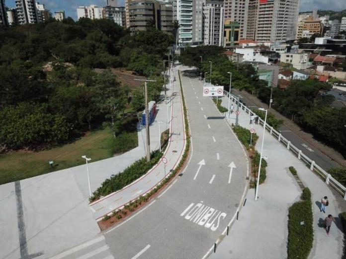 Ônibus pela Ponte Hercílio Luz