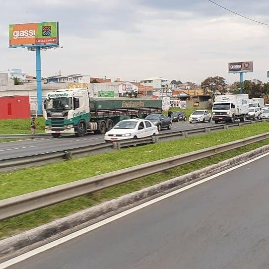 Acidente Via Expressa Caminhão