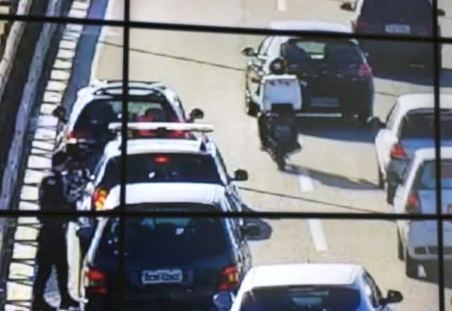Carro Parado Ponte