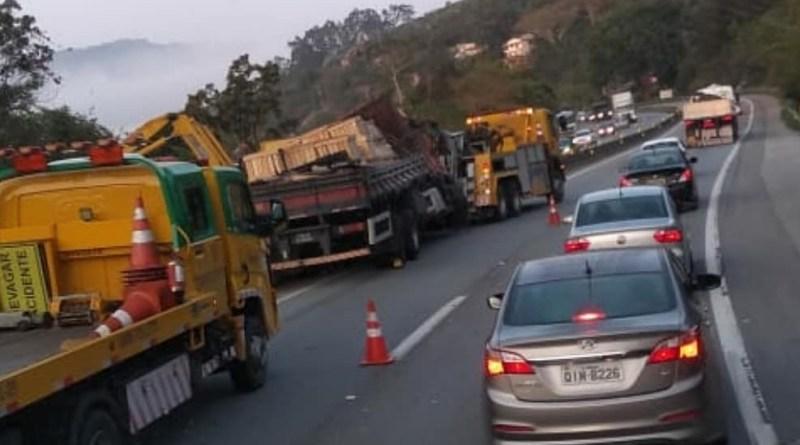 Caminhão em Biguaçu