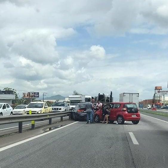Acidente Carros Itajaí
