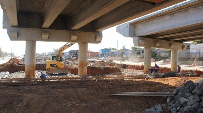 Construção de viaduto ERS-118