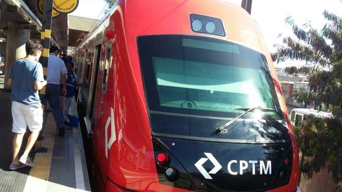 Trem novo série 8500 na Linha 11-Coral