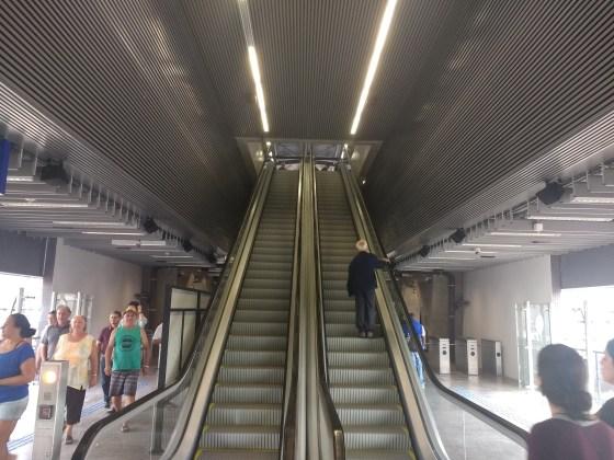 escadas estação vila união