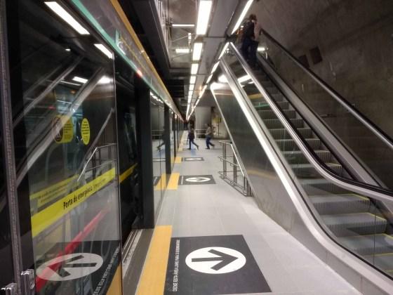 Linha 4-Amarela Plataforma da Estação São Paulo-Morumbi