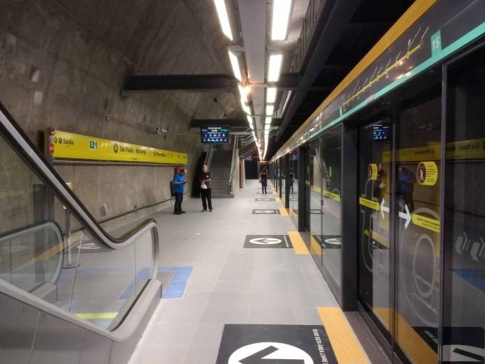 ViaQuatro Plataforma da Estação São Paulo-Morumbi Operação ViaQuatro