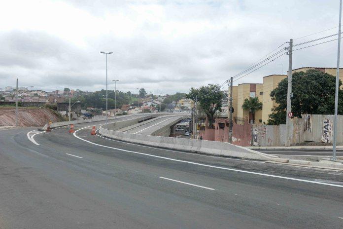 viaduto branco