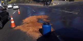 Óleo na pista na rodovia Raposo Tavares