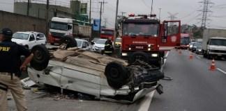 Acidente em Itapegica na rodovia Fernão Dias