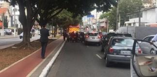 Capotamento na Avenida Pacaembu