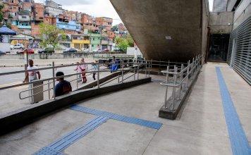 Lado externo Estação Capão Redondo