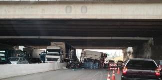 Caminhão Trevo de Bonsucesso