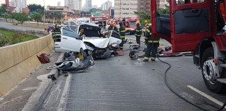Grave acidente no Viaduto Engenheiro Alberto Badra