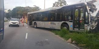 Ônibus na Marginal Tietê