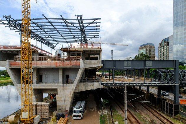 Marginal Pinheiros Estação Morumbi Linha 17-Ouro