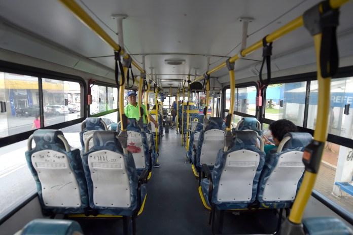 Coronavírus Ônibus vazio em Guarulhos