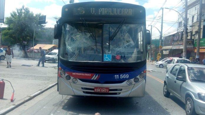 Pirajuçara Ônibus Vandalismo