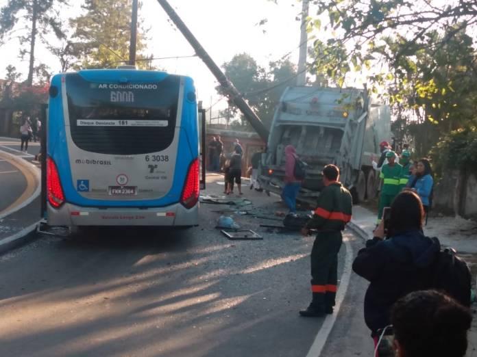 Ônibus Avenida Sadamu Inoue