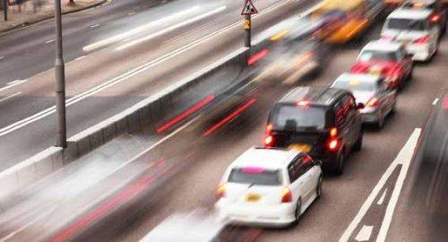 """Mobilità elettrica e asfalto """"silenzioso"""" con materiali riciclati contro l'inquinamento acustico"""