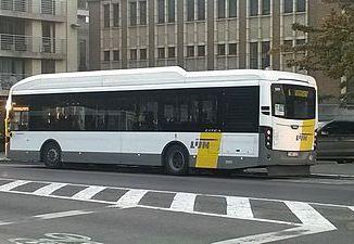Vlaamse_Vervoermaatschappij_De_Lijn_-_Hybride_CITEA-bus_van_VDL_te_Oostende