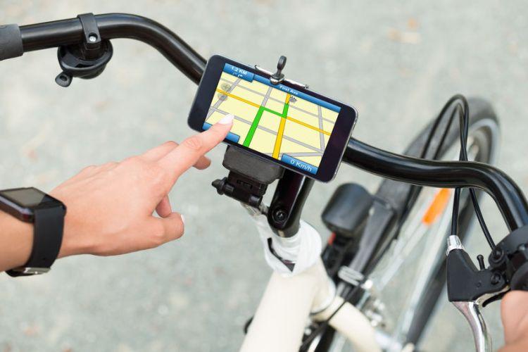 Smart phone navigation on bicycle