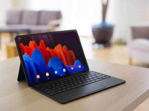 Samsung Galaxy Tab S7 with hardware keyboard