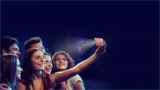 itel Mobile Unveils S31 - group captures selfie