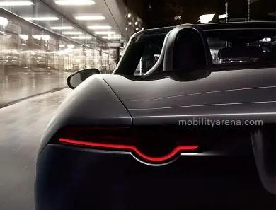 2017 Jaguar F-TYPE Super Car is Faster and Louder 12