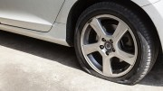 Reasons why you should not drive on a flat tire