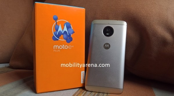 Moto E4 Plus back box couch