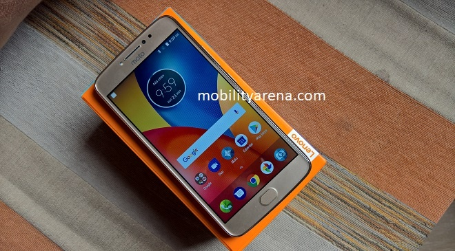 Moto E4 Plus on box