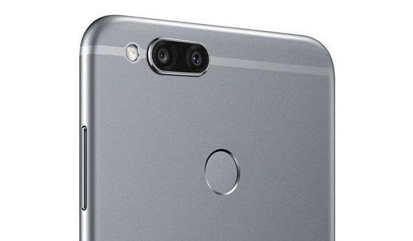 Huawei Mate SE camera