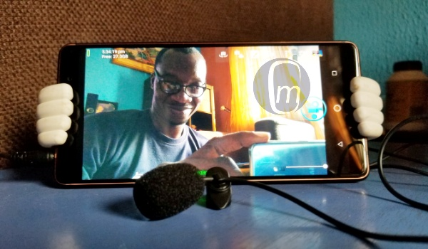 use lapel mic or lav mic with your phone for video recording