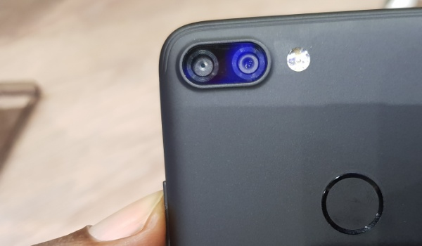 Infinix Hot 6 Pro review rear dual camera fingerprint scanner