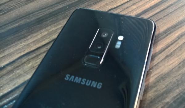 samsung galaxy s9 plus camera fingerprint scanner
