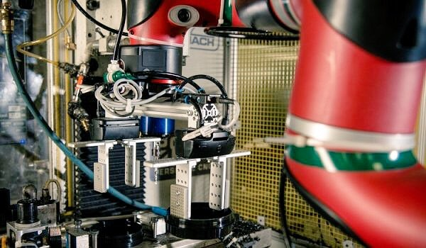 Commercial Collaborative Robots by Universal Robots